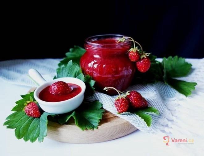 Jahodová marmeláda s rebarborou