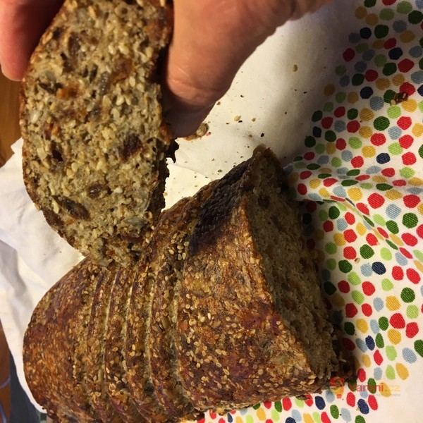 Škvarkový chleba bez mouky