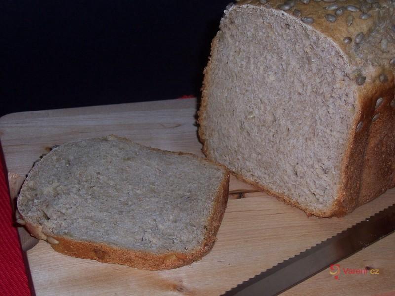 Kefírový chléb se slunečnicovými semínky