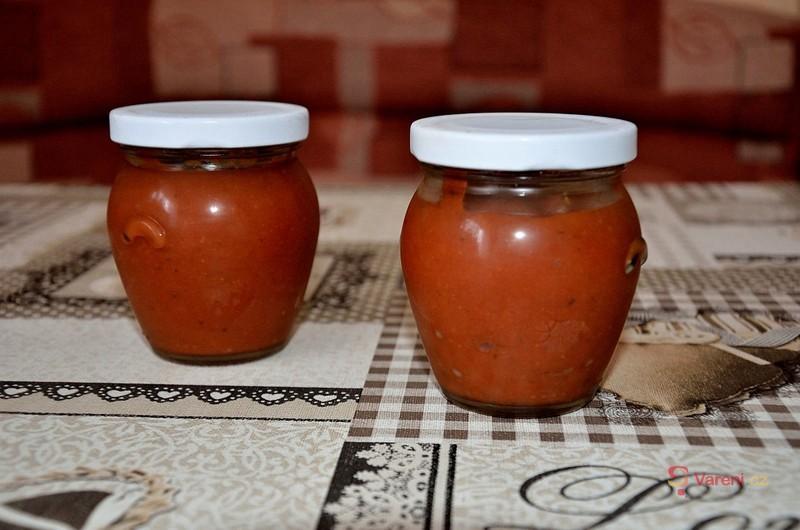 Ostrý česnekový kečup