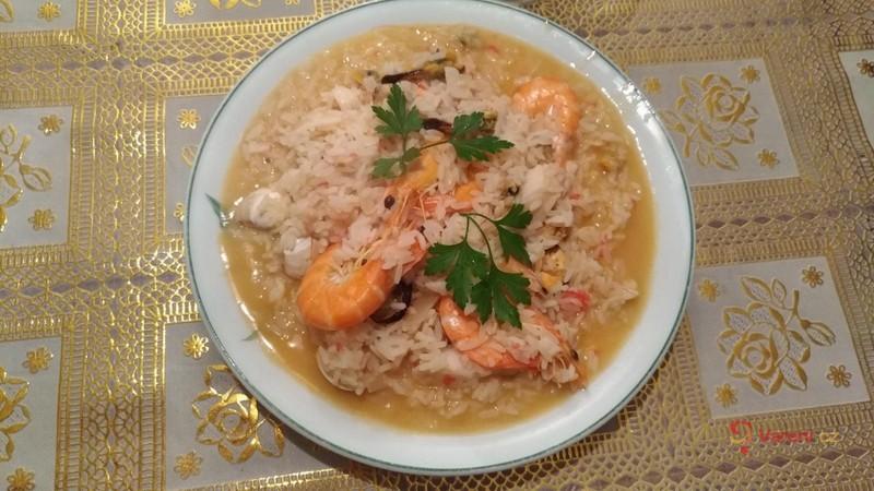 Plody moře s pikantní rýží