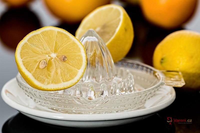 Jednoduchá citronová limonáda