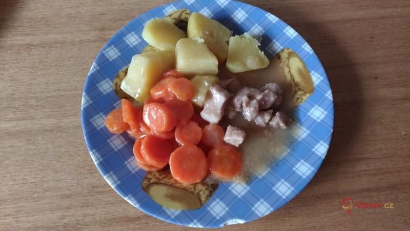 Vepřové maso s mrkví pro děti