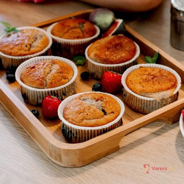 Mrkvové muffiny s medem a ořechy