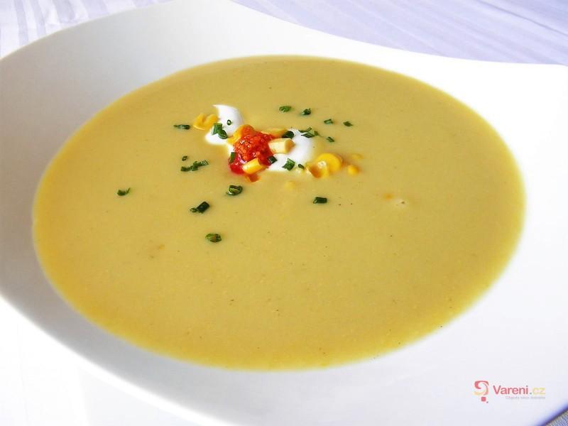 Krémová kukuřičná polévka s bramborem