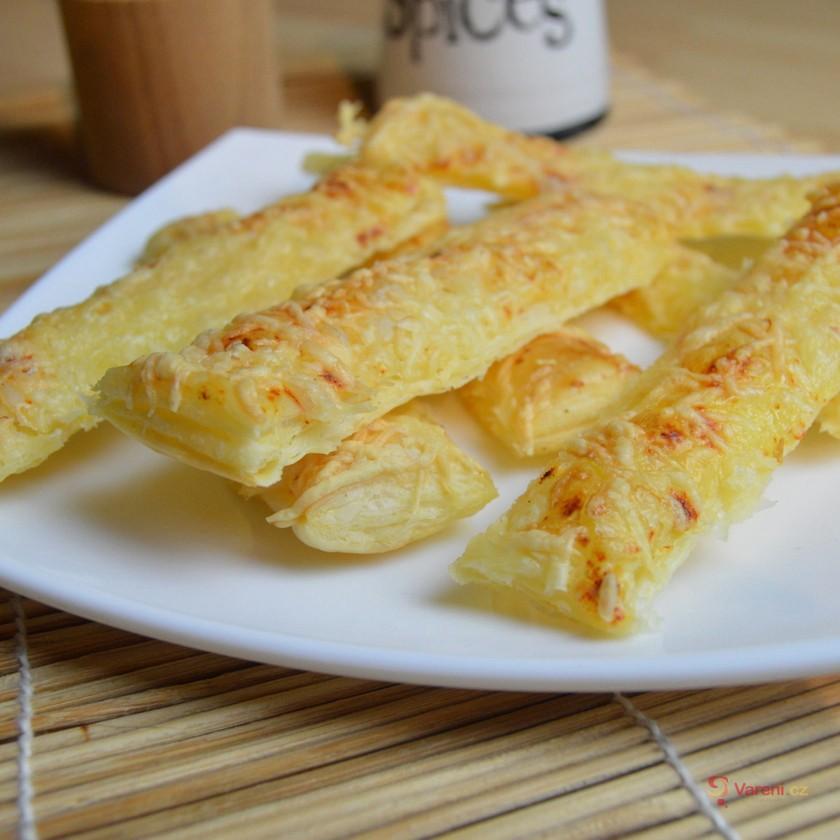 Sýrové listové tyčinky