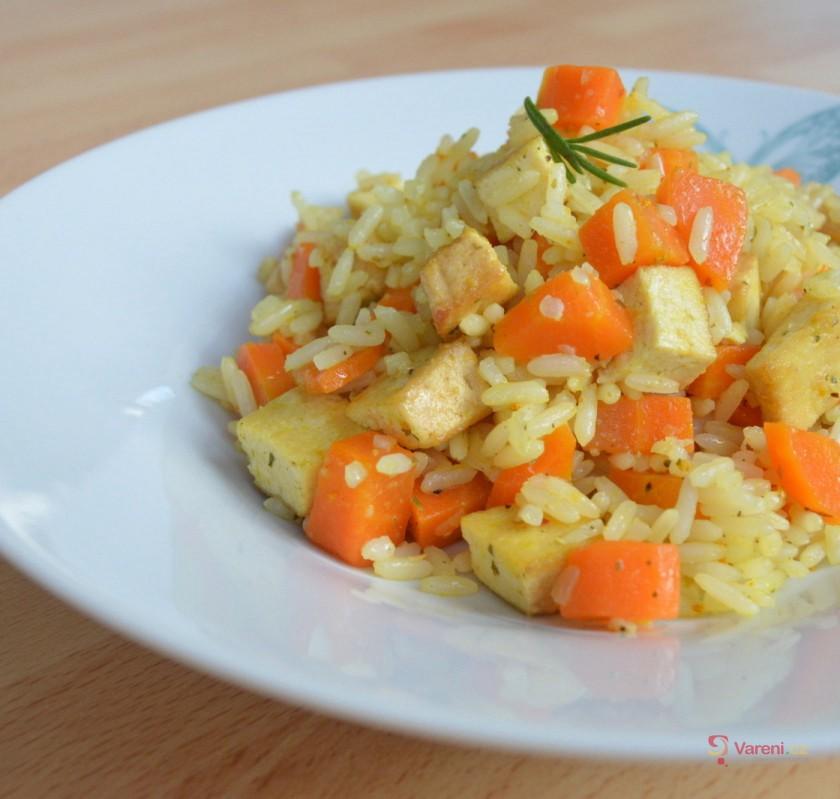 Kari rizoto s uzeným tofu