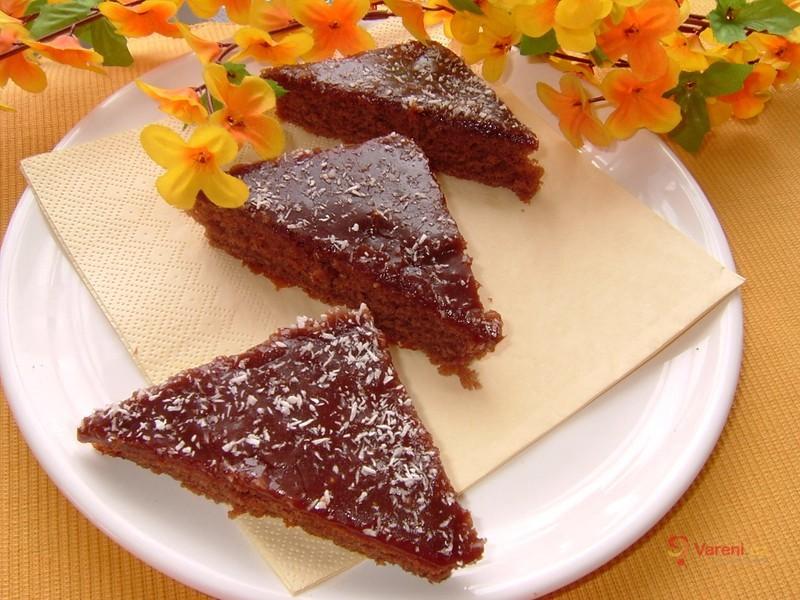 Coca-colový koláč s kakaovou polevou