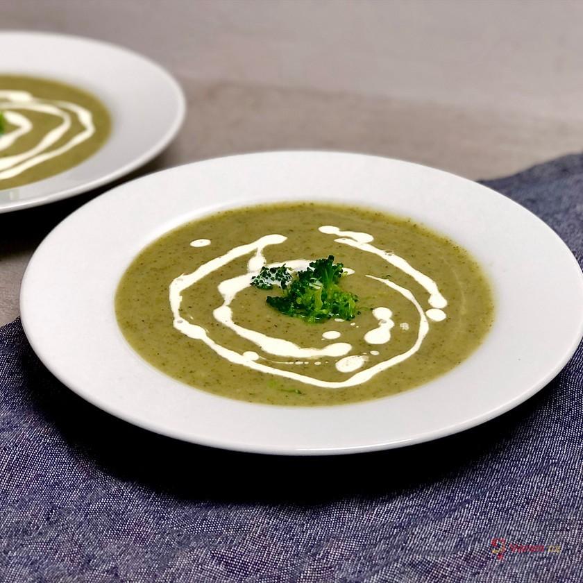 Brokolicová polévka s rostlinnou smetanou