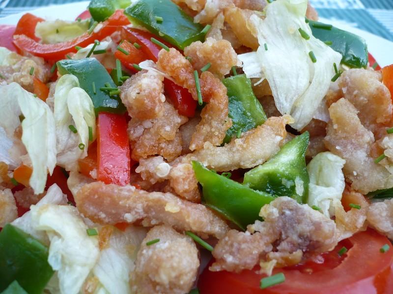 Zeleninový salát s kuřecími nudličkami