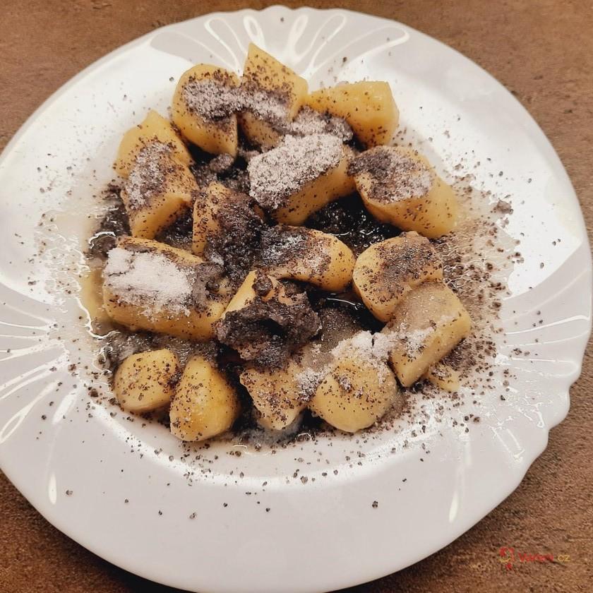 Dědečkovy bramborové šišky s mákem