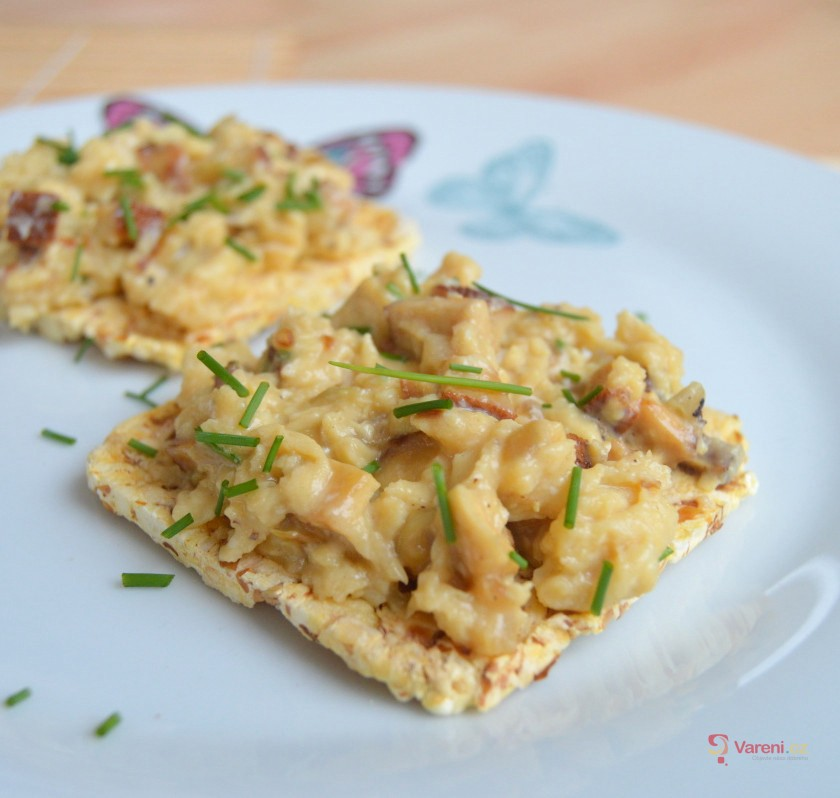 Míchaná vejce s uzeným tofu
