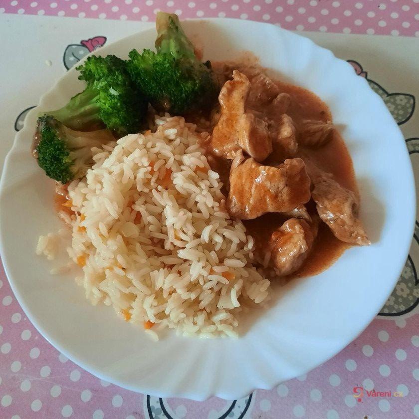 Snadný a rychlý krůtí guláš s rýží