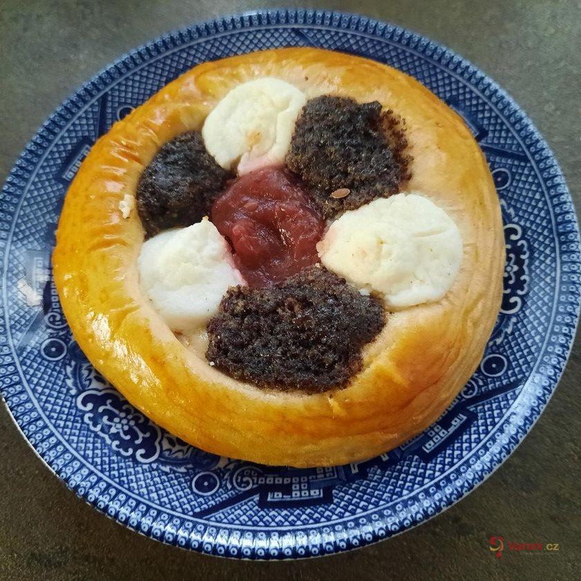 Koláčky s mákem, tvarohem a marmeládou