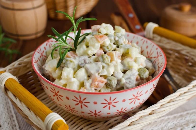 Klasický vánoční bramborový salát