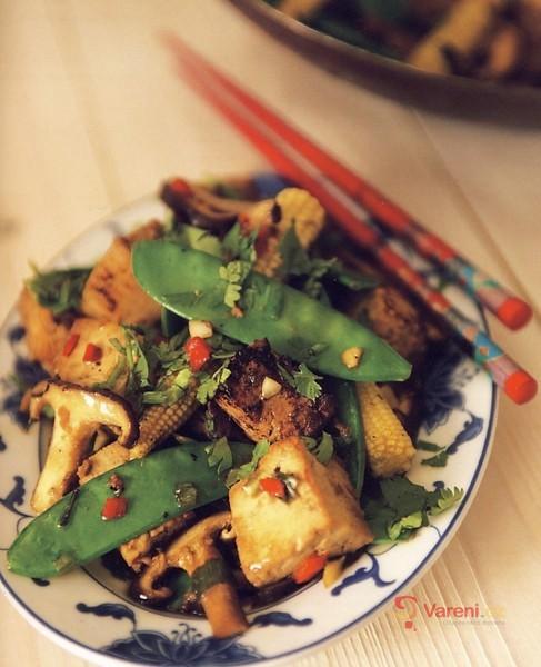 Opékané tofu se zeleninou