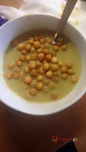 Lahodná krémová brokolicová polévka