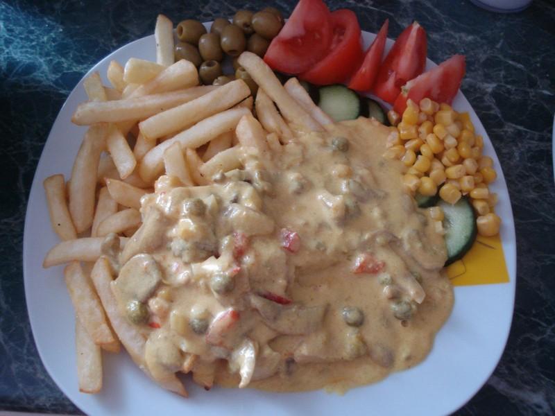 Sýrová omáčka s kuřecím a zeleninou