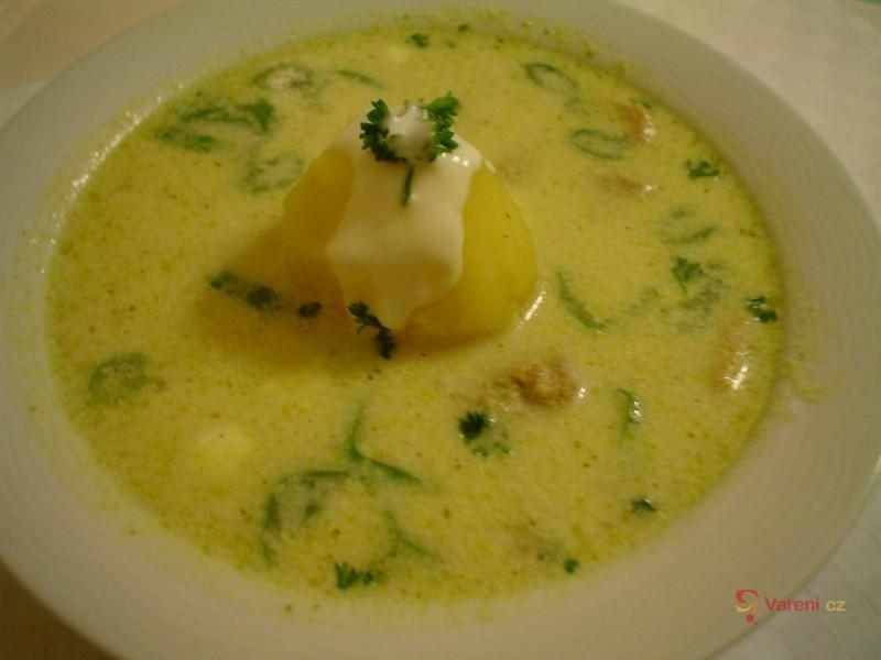 Vepřová  polévka s bramborem na švýcarský způsob