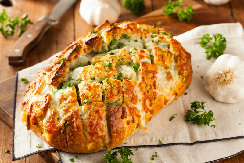 Sýrový chleba s bylinkami