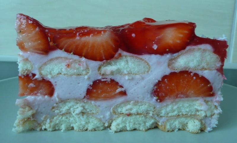 Nepečený dort s jahodami a želé