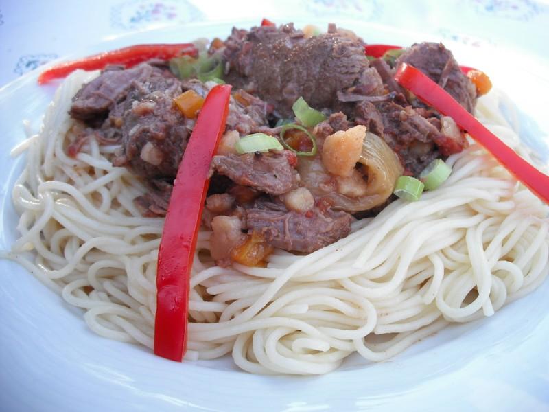 Dušené hovězí maso v zelenině