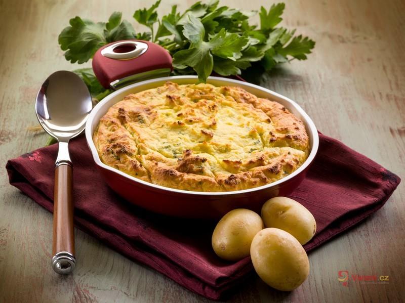 Slaný bramborový koláč s jablkem