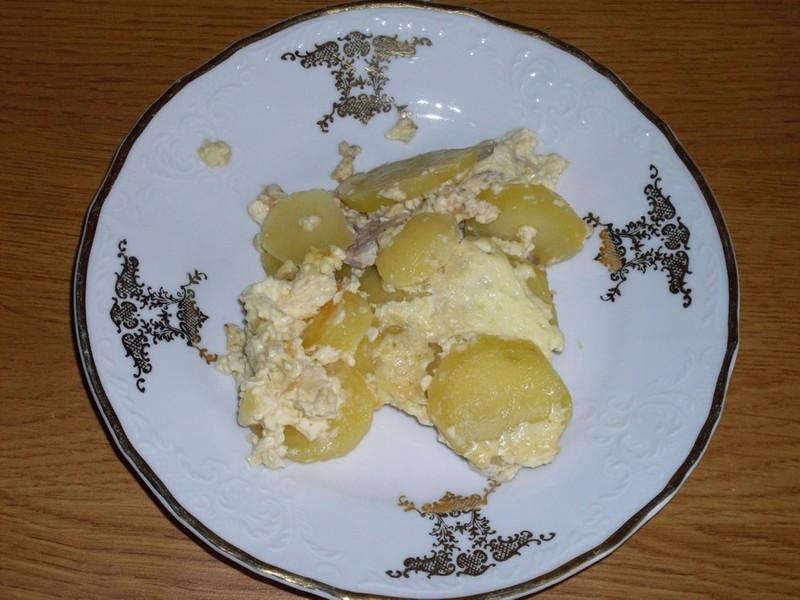 Zapékané brambory s masem a smetanou