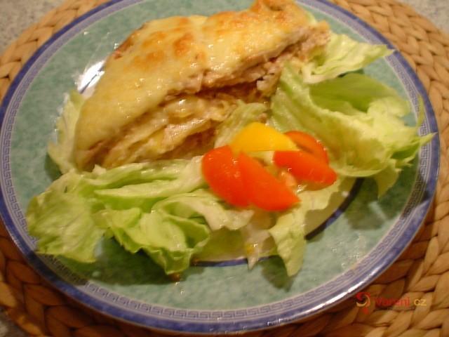 Zapékané vepřové kotlety s bramborem a sýrem