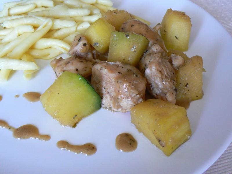 Provensálské kuřecí kostky s cuketou