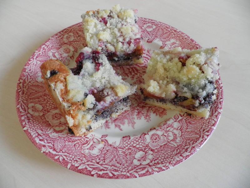 Švestkový koláč s makovou náplní