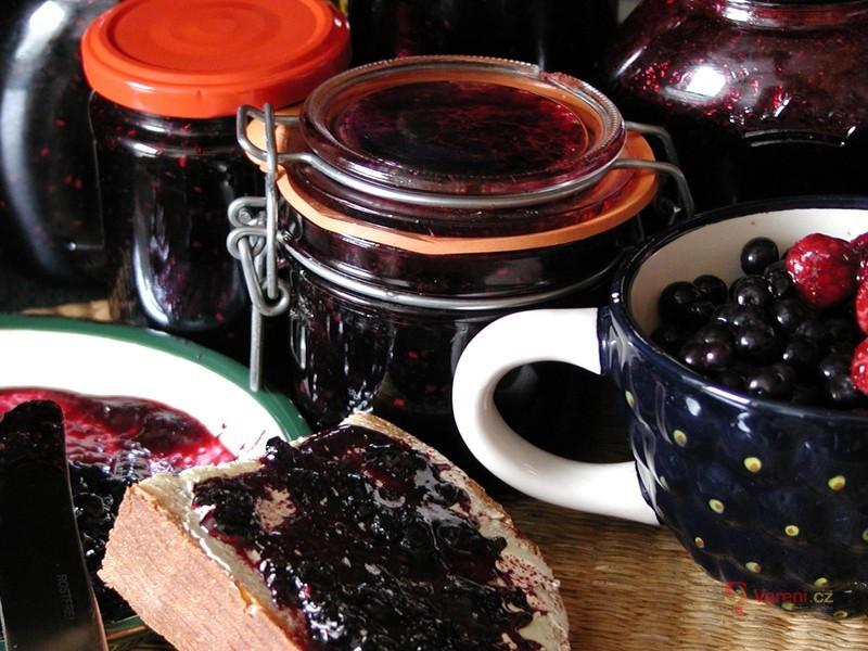 Malinovo-borůvkový džem