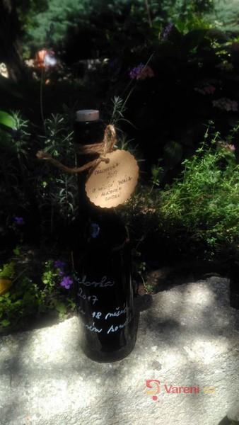 Ořechovka - svatojánský ořechový likér