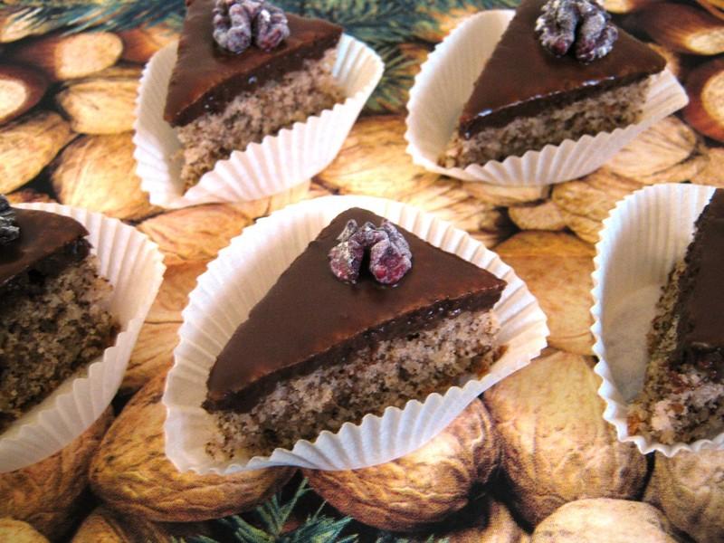 Ořechové trojhránky s čokoládou