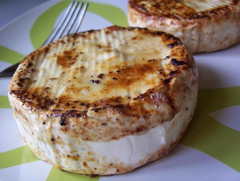 Opékaný camembert