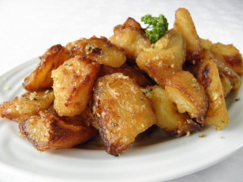 Křupavé rozmarýnové brambory