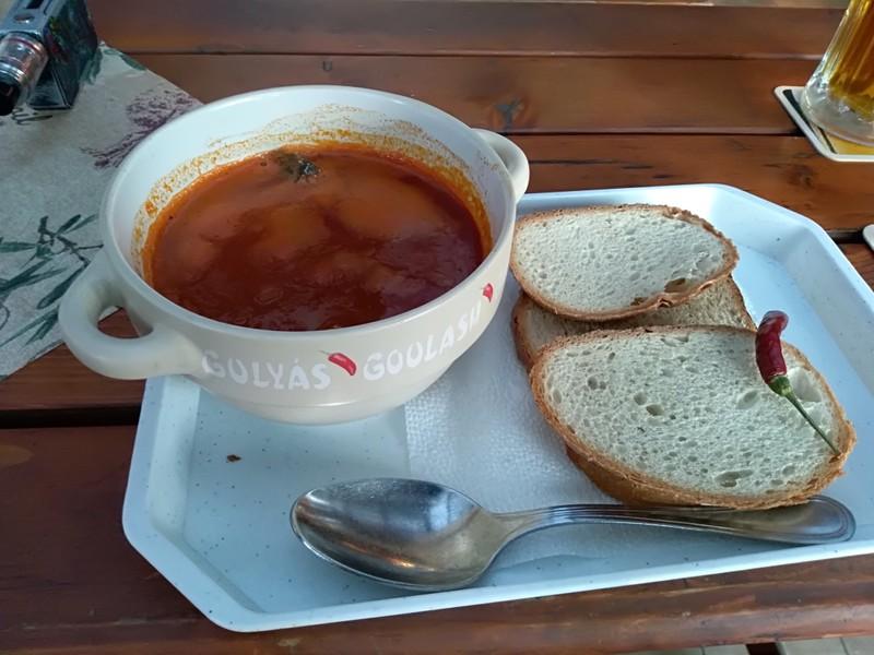 Halászlé rybí polévka