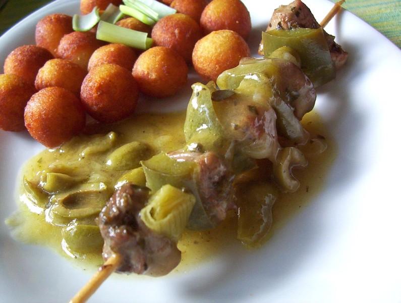 Masové špízy v olivové omáčce