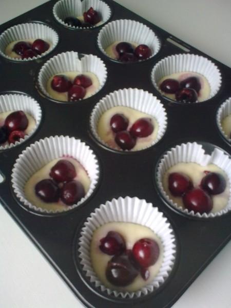 Plněné muffiny s ovocem