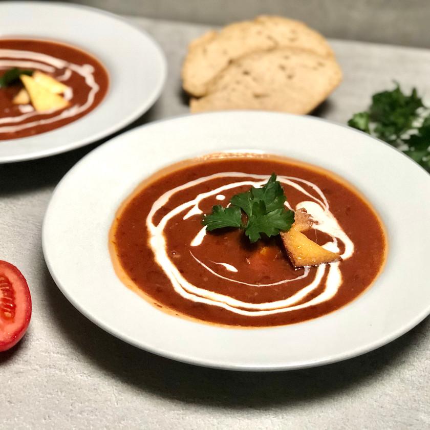 Fazolová polévka s uzeným tofu a rajčaty