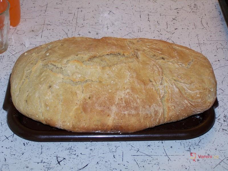 Domácí kmínový chléb
