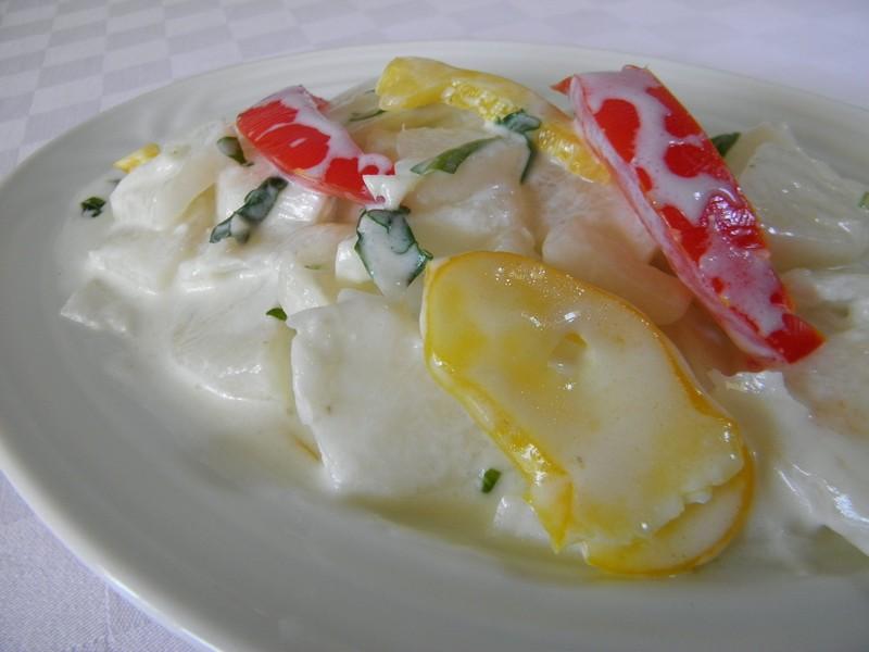 Salát z bílé ředkve