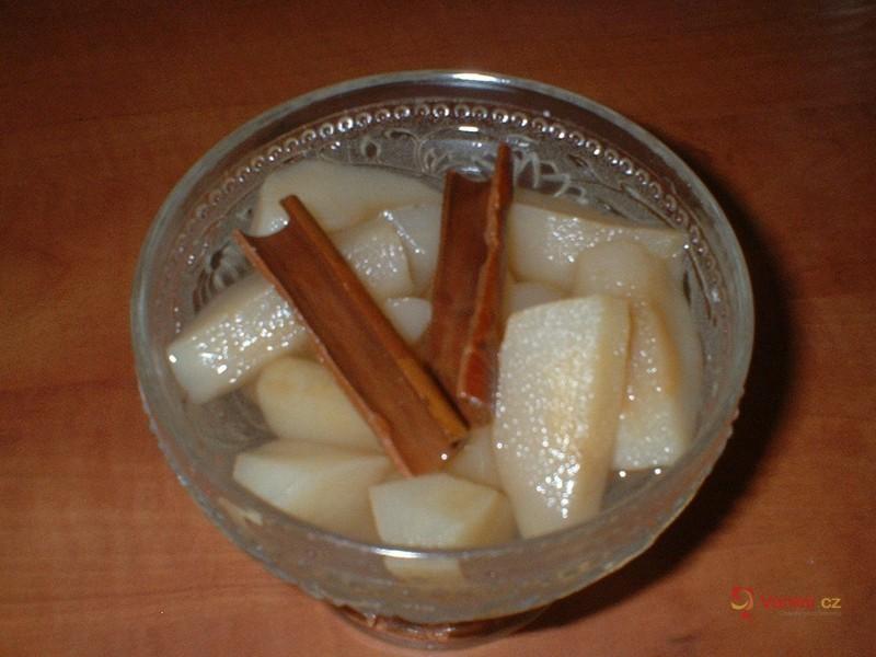 Jablečný kompot se skořicí