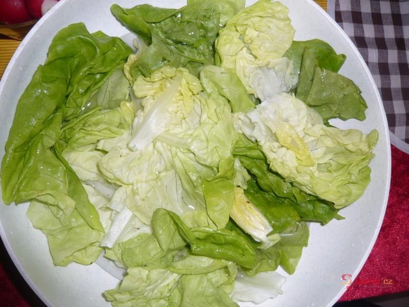 Hlávkový salát s ředkvičkami 1