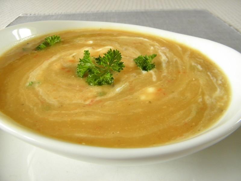 Krémová čočková polévka se smetanou