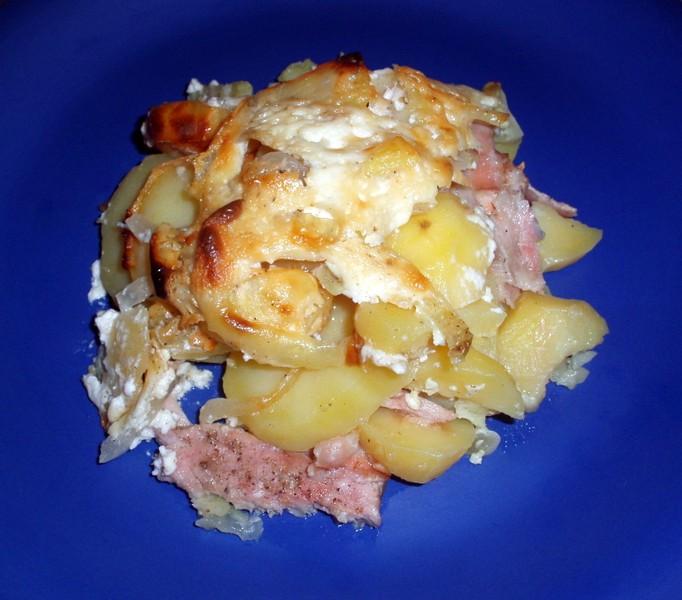Smetanové brambory zapečené s kuřecím masem