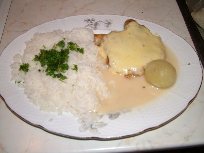 Kuře s vinnou omáčkou a rýží