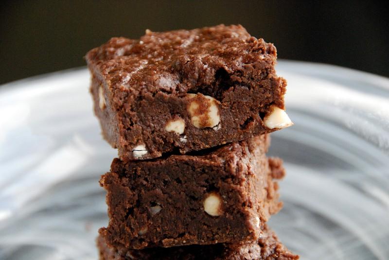 Brownies s lupínky bílé čokolády