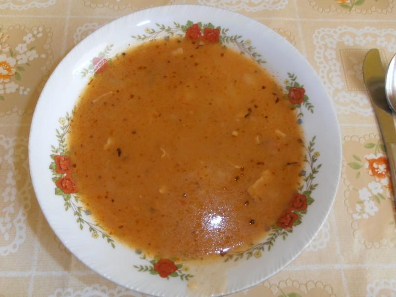Gulášovo-frankfurtská polévka
