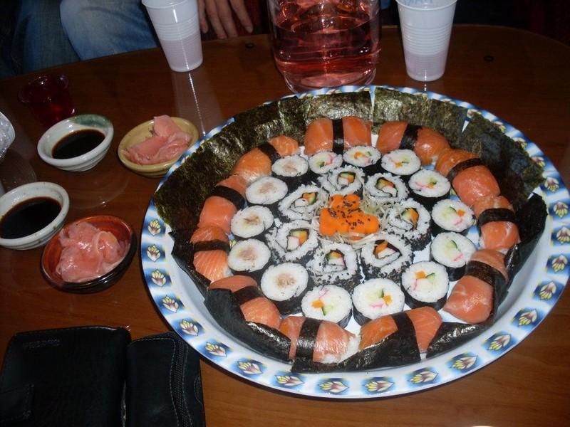 Maki, nigiri a obrácené sushi